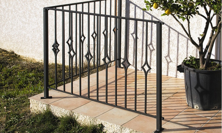 le ferronnier garde corps de terrasse en fer forg lydie gclydie. Black Bedroom Furniture Sets. Home Design Ideas