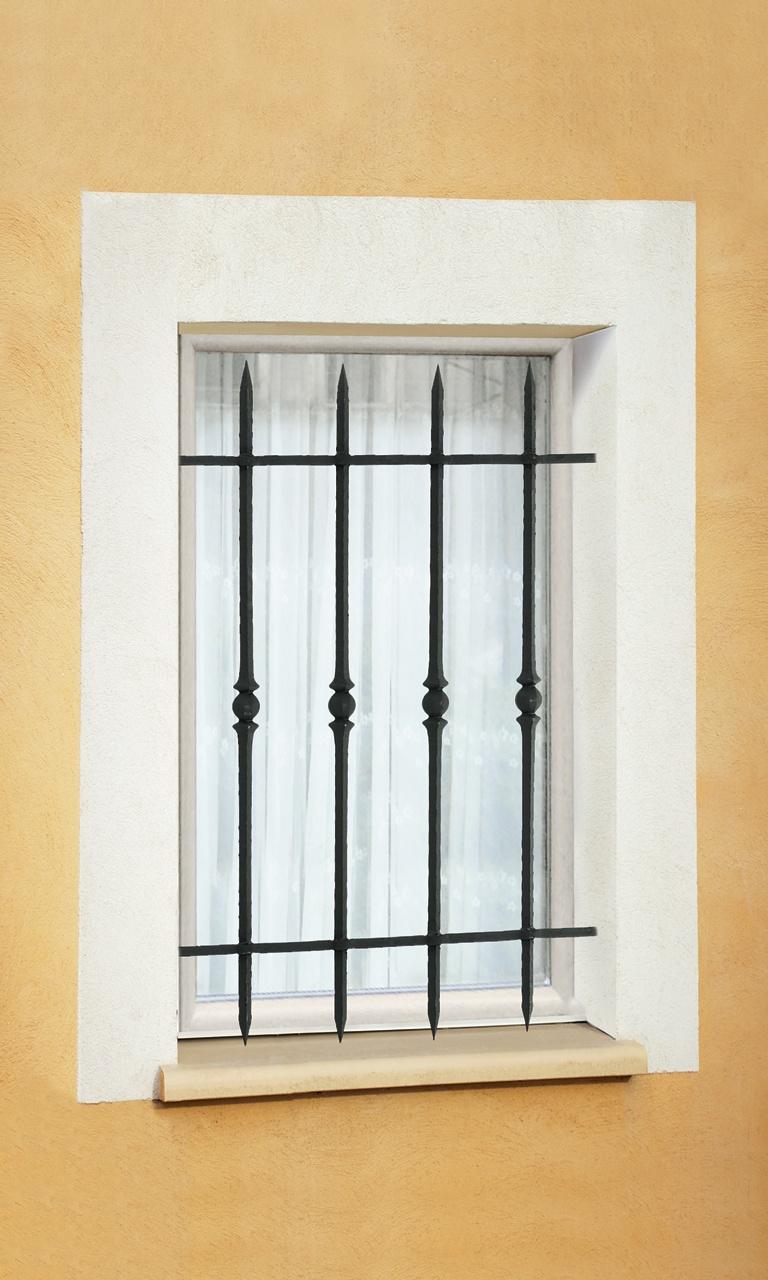 le ferronnier grille de fen tre en fer forg vivienne. Black Bedroom Furniture Sets. Home Design Ideas