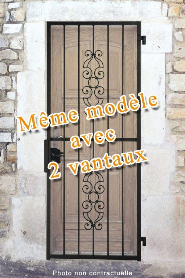 Grille ouvrante en fer forgé Voltaire 2 vantaux